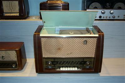 Ραδιογραμμόφωνο Stassfurt