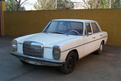 Αυτοκίνητο Mercedes Benz 220