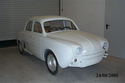 Αυτοκίνητο Renault Dauphine