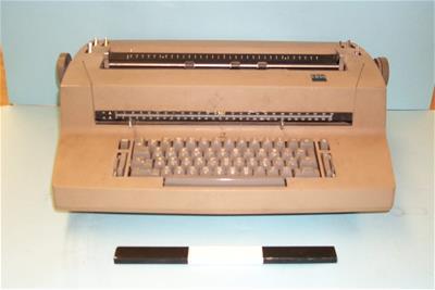 Ηλεκτρική Γραφομηχανή IΒΜ