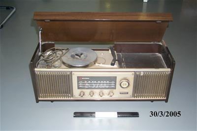 Ραδιοπικάπ National