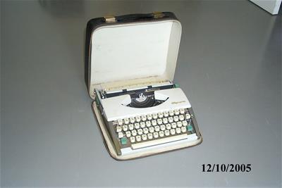 Γραφομηχανή Olympia SF Deluxe