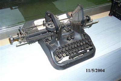 Γραφομηχανή Oliver 15