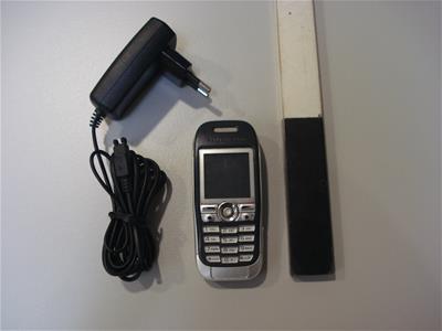 Κινητό Τηλέφωνο Sony Ericsson J300i