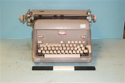 Γραφομηχανή Royal
