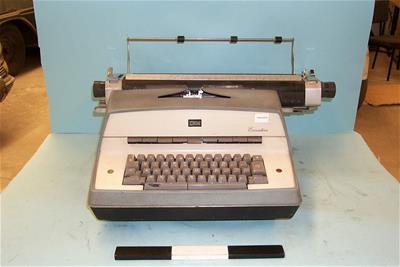 Ηλεκτρική Γραφομηχανή IBM Executive model D